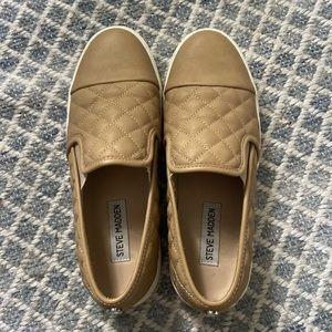Tan Ecentrcq Steve Madden Slip on Sneaker